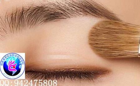 这种拉线双眼皮胶比较容易操作